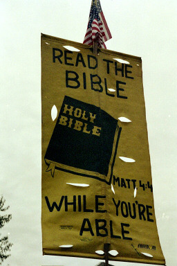 17_read_the_bible_sign